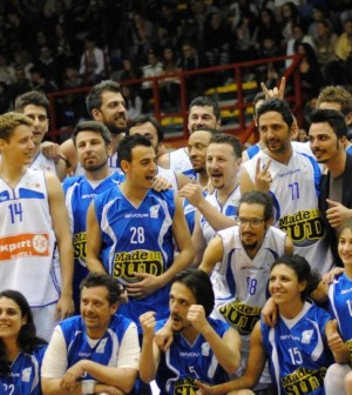 Basket a napoli e solidarieta' :riceviamo e pubblichiamo :Expert Napoli.…