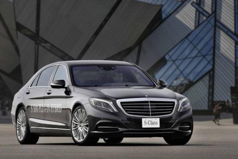 A Francoforte la Mercedes S500 Plug-In Hybrid da 33 Km/litro Una nuova stella…