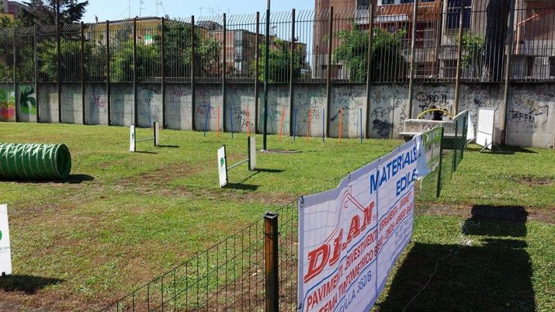 rivenditori di materiale edile : DE.AN. vicino alla manifestazione Dog Day della citt� di Napoli.