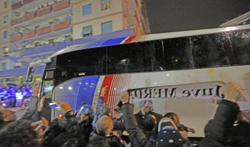 Assalto bus, Verona accusa, allarme derby Stop trasferte a tifosi Roma senza…